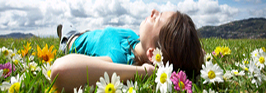 girl_lying_in_grass1